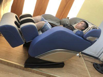 Ghế massage toàn thân Okazaki 868 không trọng lực