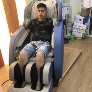 Ghế massage toàn thân Okazaki 868 Nhật Bản