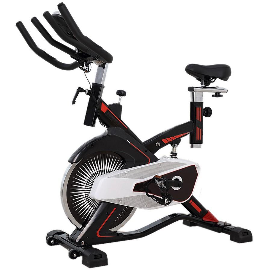 Tập máy đạp xe tập thể dục mỗi ngày