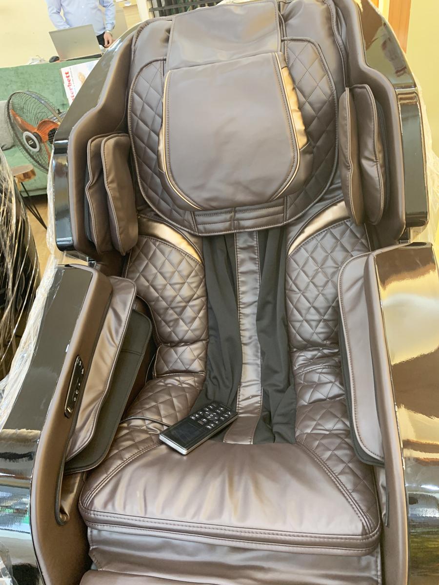 Ghế massage toàn thân OS-500LX Chất liệu da cao cấp